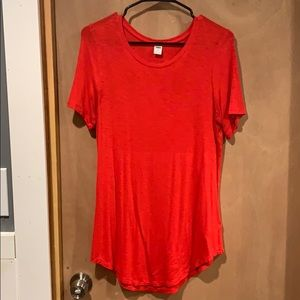 Red old navy tee shirt